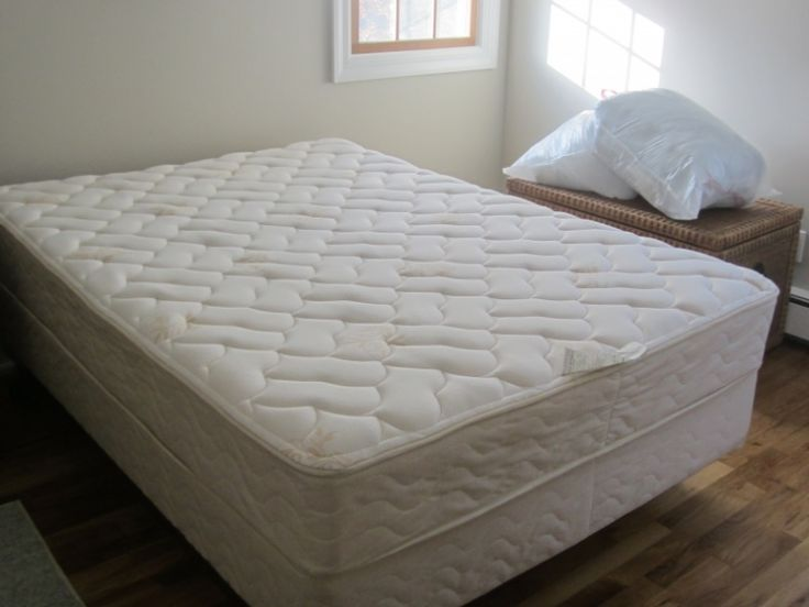 Full Size Bed With Mattress And Box Springs
