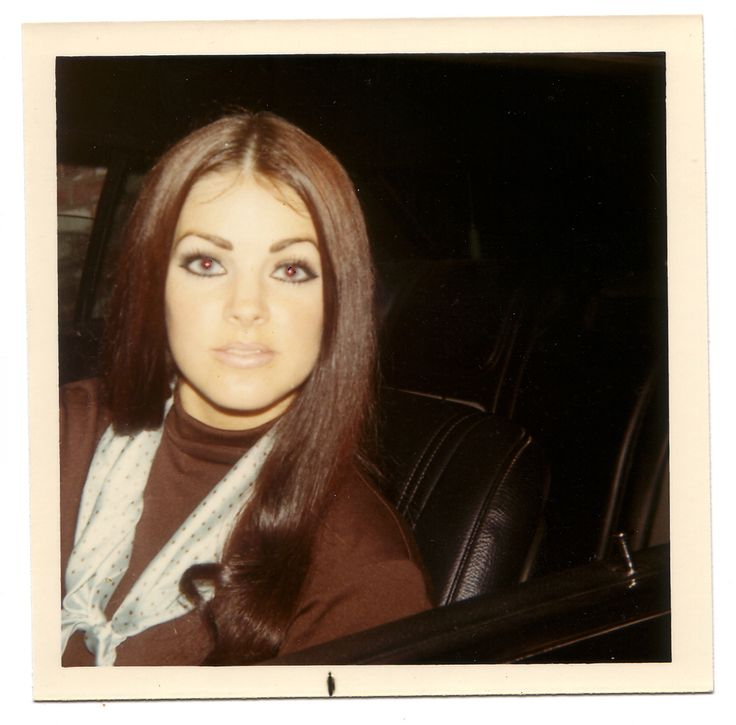 Priscilla Presley - love the eye makeup!