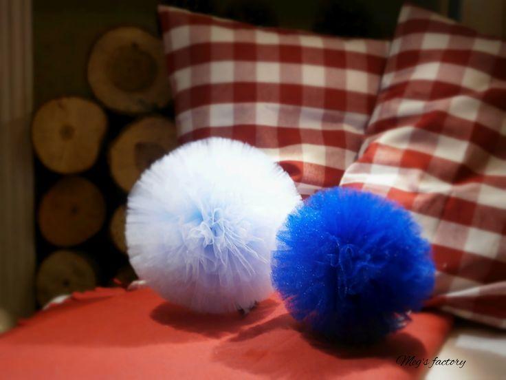 Pompony błękit&granat