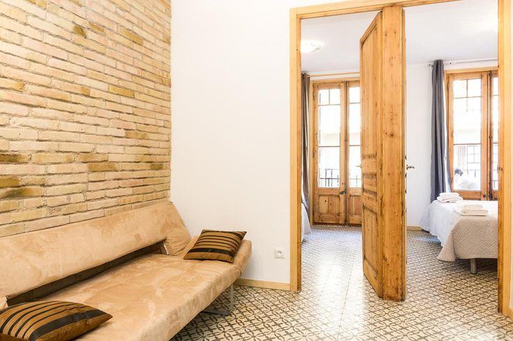 Our beautiful vacation rental apartment in Gracia neighborhood, Barcelona. C/ Santa tecla, 3.