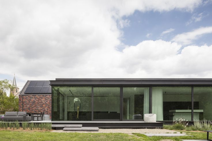 Gallery of H-Shaped House with Office / sam architects - 7