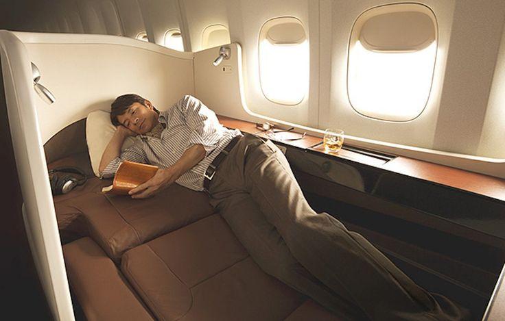 9. Las cabinas de primera clase en el Japón de la aerolínea Sky suite 777 tienen interiores de la viruta y están aisladas del resto del plano para una mayor privacidad.  Puede reservar un vuelo con la suite al mes, pero hasta entonces no hay ninguna palabra sobre el precio.