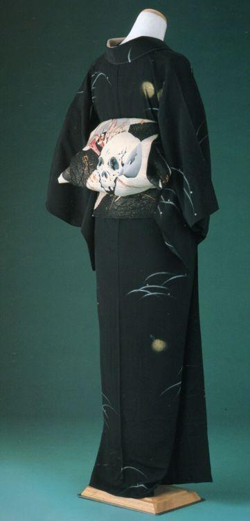 """Dokuro' themed kimono and obi. Japan"