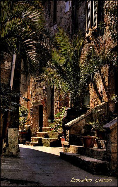 Pitigliano, Tuscany, Italy #Zbohom www.bmertus.com