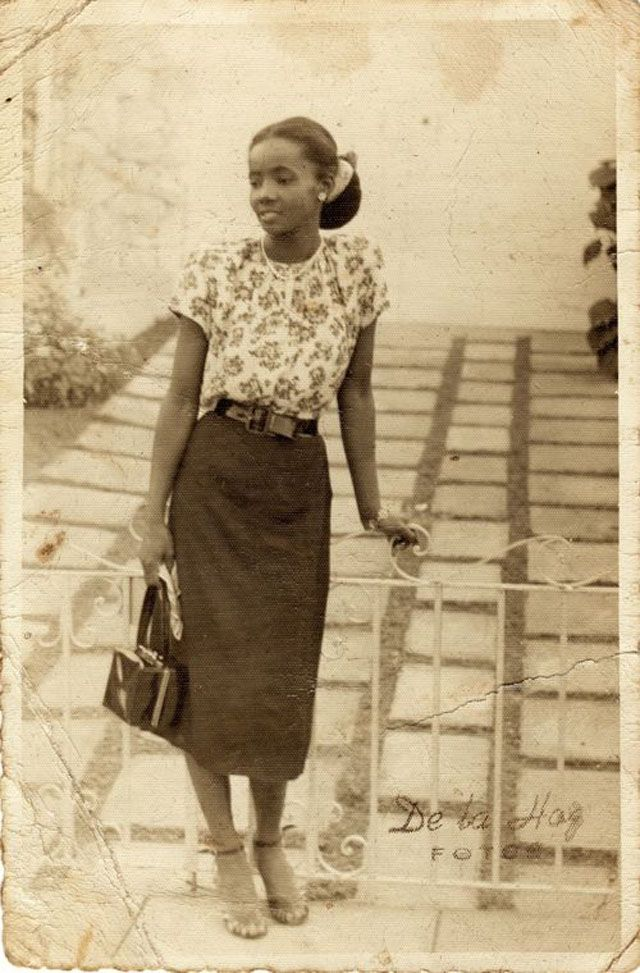 These stunning vintage snapshots show the beauty of African-American women in their normal lives from between 1920s to 1940s. ...