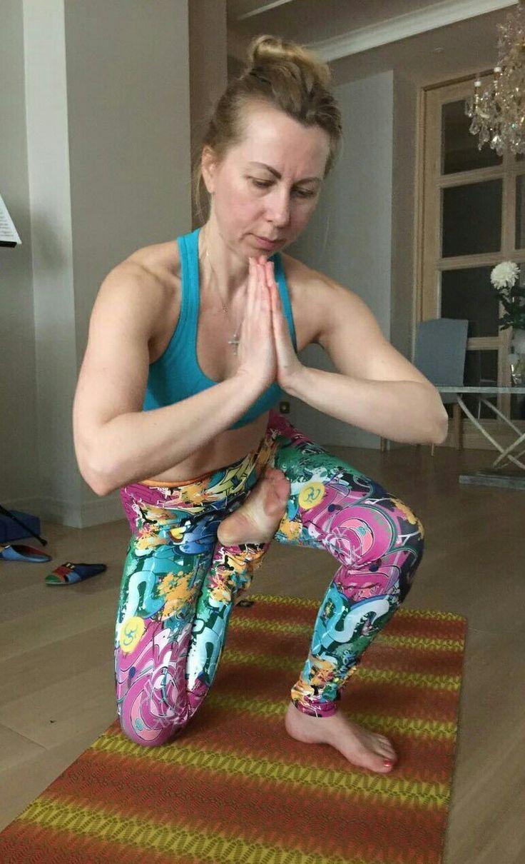 Наша школа йоги создана специально для тех, кто хочет поближе познакомиться с йогой, кто интересуется духовными знаниями и хочет научиться древнеиндийским практикам самосовершенствования.
