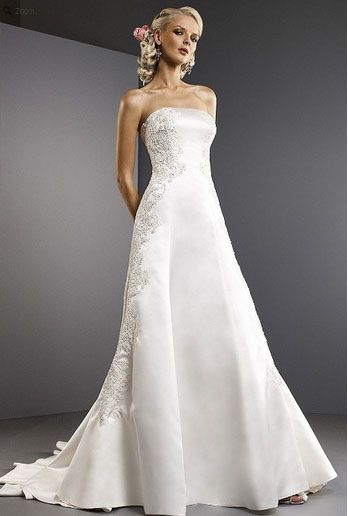 Saison Blanche Wedding Gown - Boutique Collection - Style #B3035
