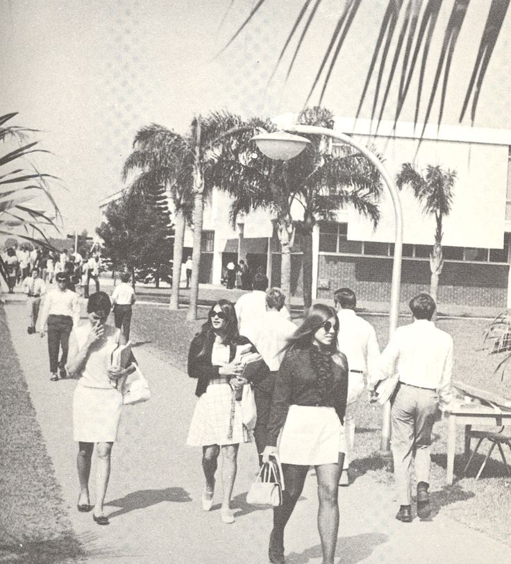Broward College students at Central Campus in 1970.