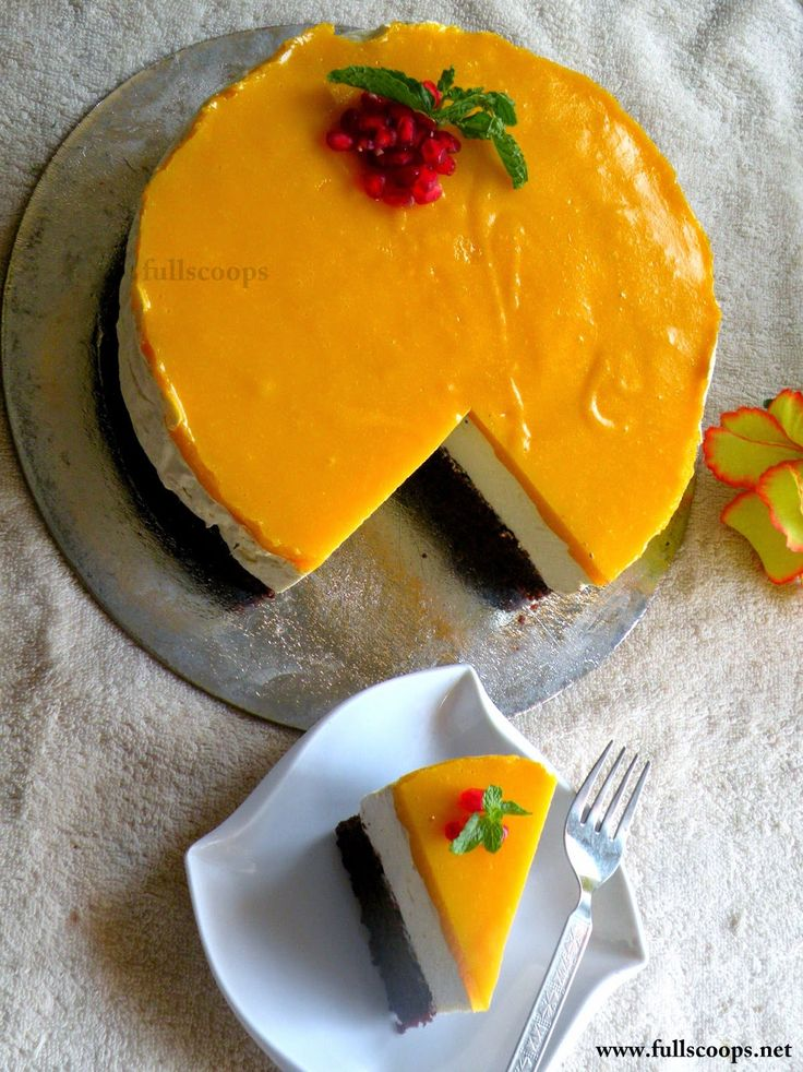 Full Scoops: Eggless Mango Mousse Cake