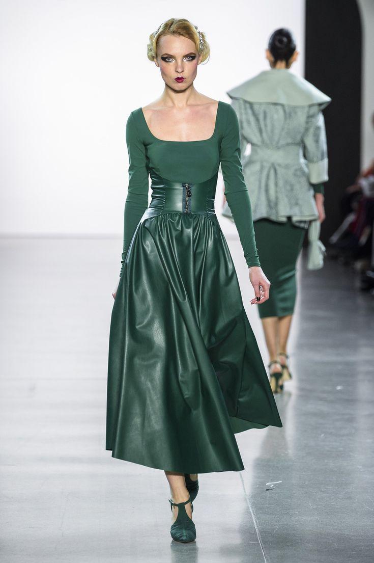 Chiara Boni La Petite-Robe Fall 2018 RTW Fashion Show