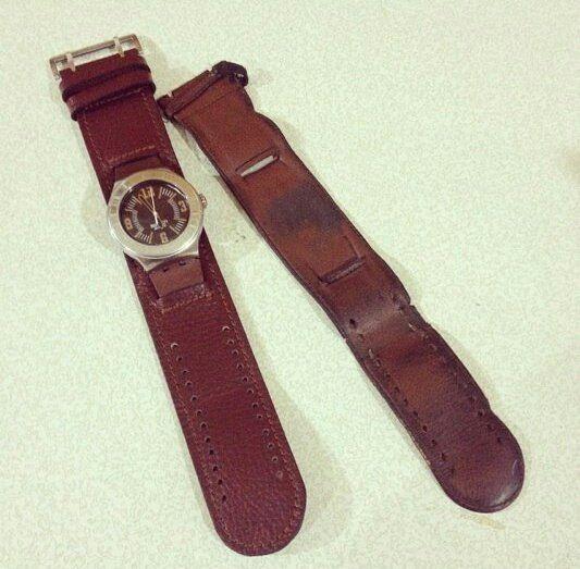 We will change your old watches thong to new leather thong by #theblackquail / Мы заменим старый обветшалый ремешок для часов на новенький кожаный от #theblackquail