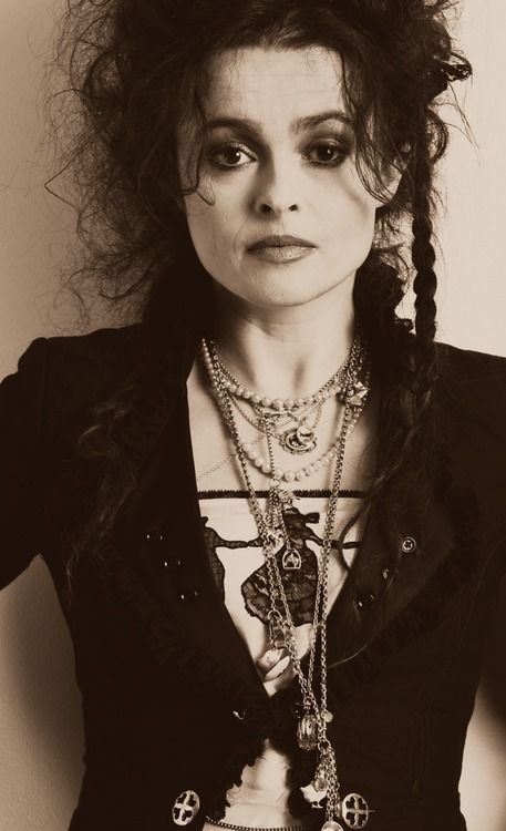 Helena Bonham Carter-- one of the most talented actresses of our time. This is a perfect example of what initially entered my mind when thinking of a hair style for my Tim Burton character, messy and very unique.