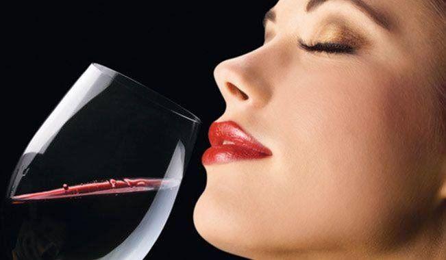 """Σκέψεις: """"μια ακόμα γουλιά κρασί"""" Άννυ Τυχαίου"""