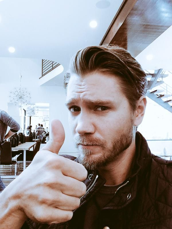 The 35-year old son of father Rex Murray and mother(?), 185 cm tall Chad Michael Murray in 2017 photo