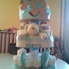"""Gâteau de couches 3 étages """"mes copains et moi"""""""