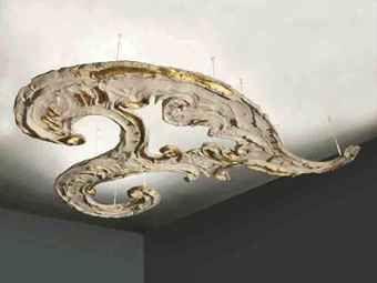 1899-1968) Soffitto: Decorazione in gesso dipinto e neon gilted gesso ...