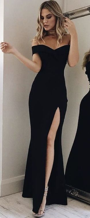 long black sleeveless thigh slit