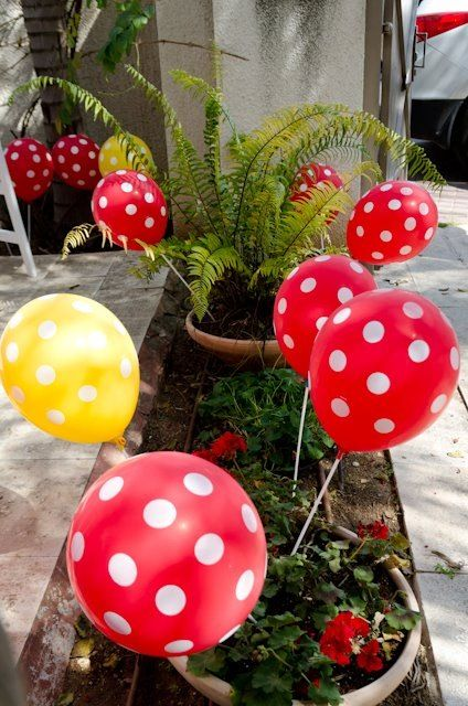 red mushroom fairy tale party - baloons https://www.facebook.com/esinika.events