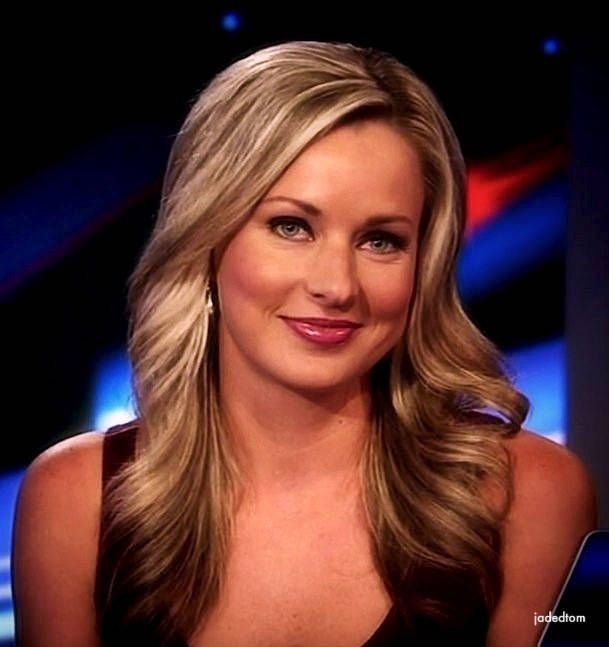 42 best fox images on pinterest fox radios and beautiful women sandra smith hottest photos of the fox news anchor pmusecretfo Image collections