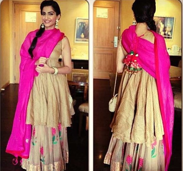Want to look simple but classy?  Try this. In this pic she wore a beautiful and simple lehanga with a pink color dupatta and long kurta :).