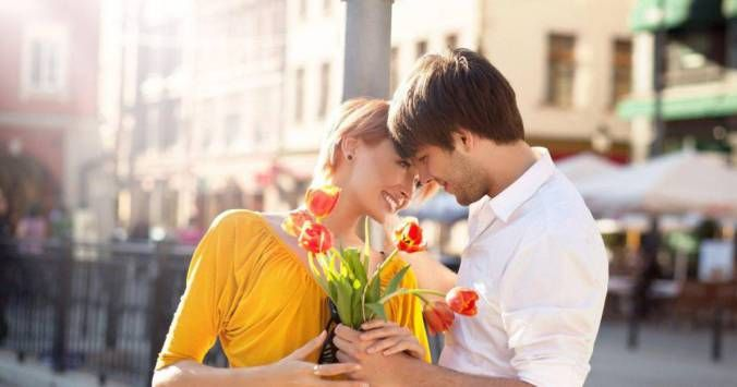 How to Choose the Right Flowers for Your Lady Love #Flower delivery malaysia #online florist in Malaysia # flower basket