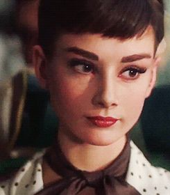 Audrey Hepburn #OldHollywood #movies #cinema #vintage #icon #legend #actress #legendary #beauty #gif #animated