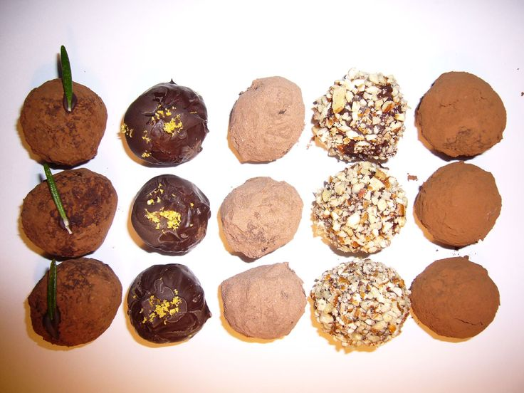 Delicious home-made chocolate truffles in a variety of flavors, all stemming from one simple recipe.First you'll learn how to make a classic dark chocolate truffle (Steps 1-10):Chocolate ganache filling (Steps 1-5)Chocolate coating (Steps 6 & 7)Decoration (Steps 8 & 9)Storage (Step 10)Then, you can get creative by adding different ingredients to the basic prototype:Rosemary & Sea Salt (Step 11)Chocolate & Pecan Cheesecake (Step 12)Lemon & Black Pepper (Step 13)Gingerbread...