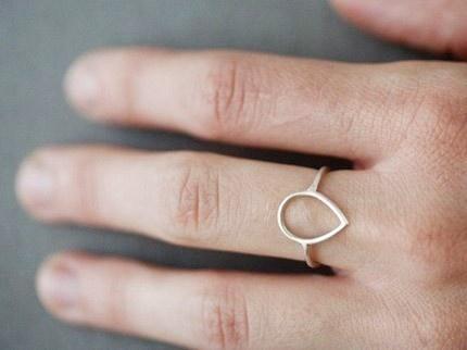 Simple Petal Ring by anne kiel