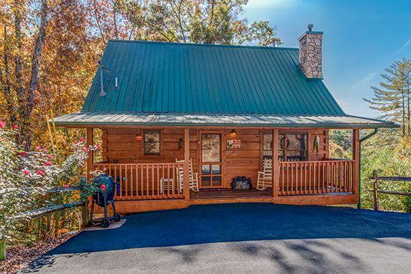 Bear Hug Hideaway Luxury 1 Bedroom Pigeon Forge Cabin Rental Pigeon Forge Cabin Rentals Pigeon Forge Cabins Cabin