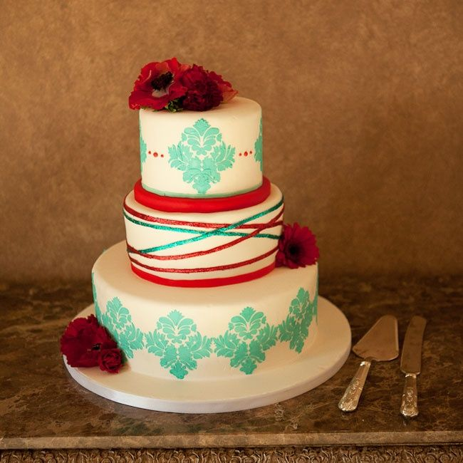 Light blue and red round wedding cake | Amber Davis Photography | Jay Qualls Cakes