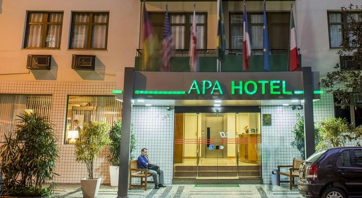 Apa Hotel Rio De Janeiro Hotel Apa is ideally located 200 metres from Copacabana Beach and 2 blocks from Metro station Cardial Arco Verde in downtown Rio de Janeiro. It features free Wi-Fi and is 1 km from the Rio Sul Shopping Centre.