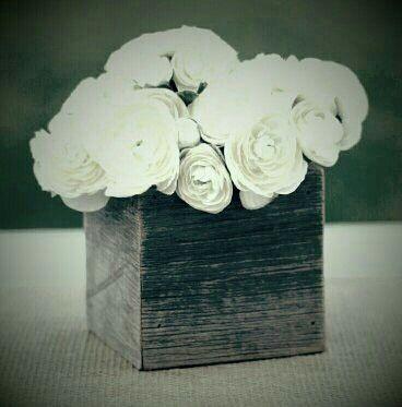 File De Poveste îți urează o seară de vis. #trandafirii #nunți #decorațiuni