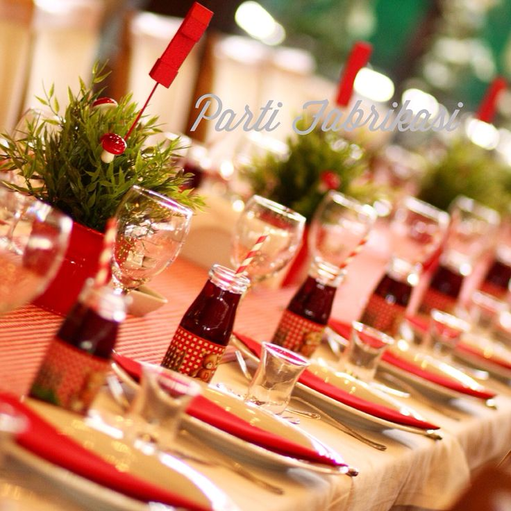Picnic themed party ideas  Table center piece