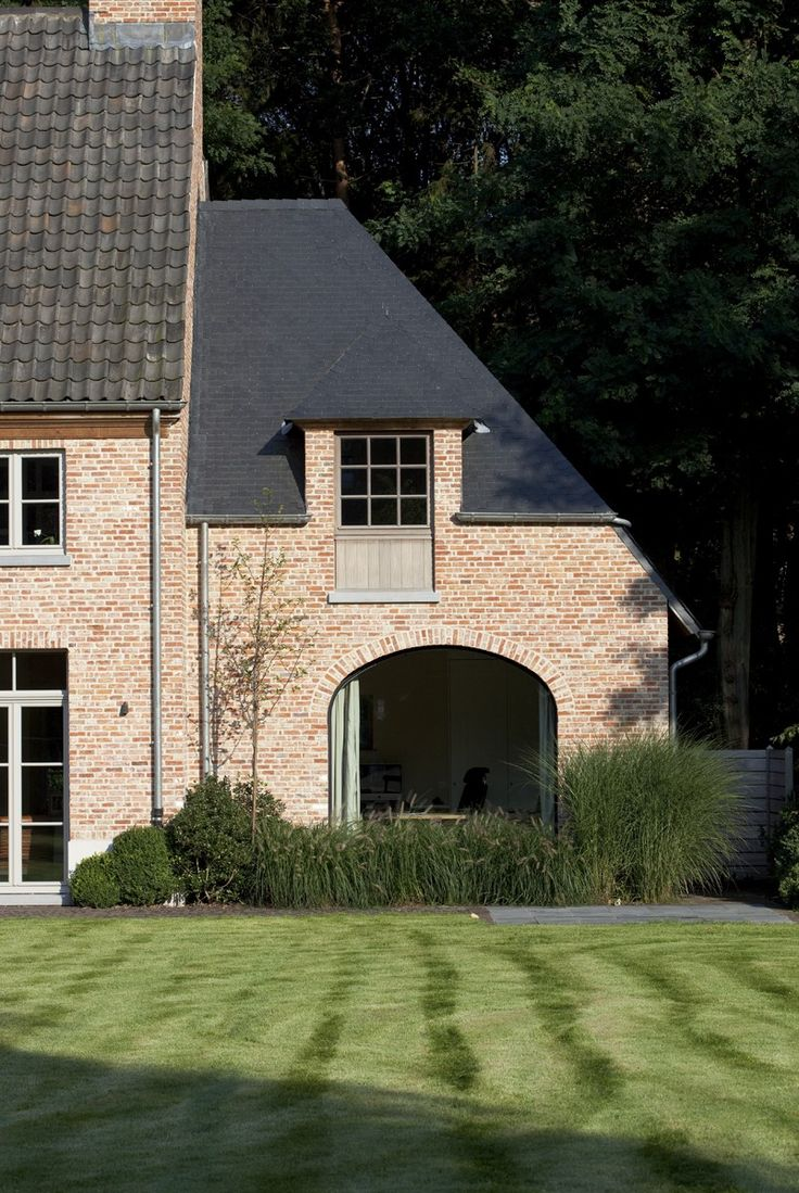 Magnificent property in St.-Martens-Latem - Belgium. Interior : Elbeko. Exterior design : Dirk Van Vlieberghe.