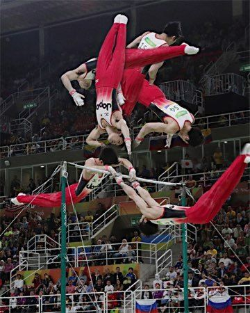 〔五輪・体操〕男子個人総合決勝、内村航平が鉄棒の演技で見せた手放し技、「カッシー - リオオリンピック特集 - Yahoo! JAPAN