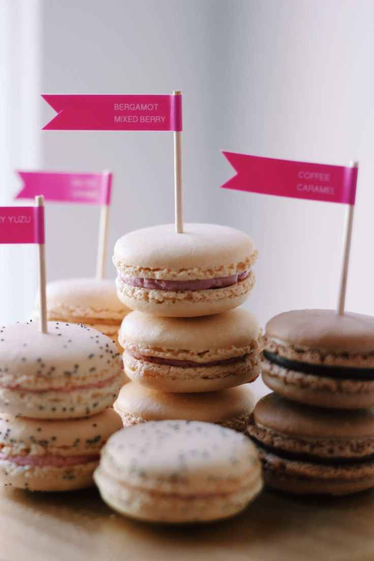 Lovely macarons deserve lovely labels. Pretty party idea by @maia_mcdonald for #Brother #LabelIt