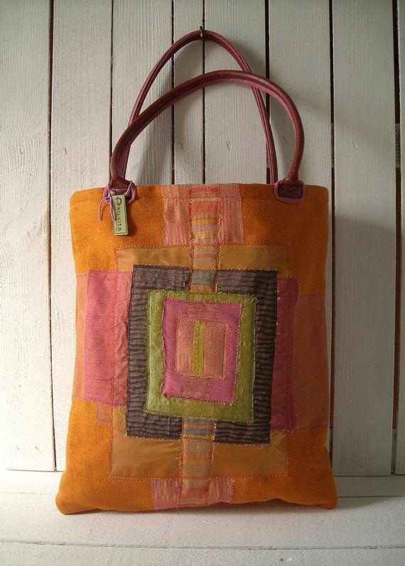eccentrica e pratica borsa per laptop. In pesante tela arancione per una donna spigliata e fantasiosa by Kucita #italiasmartteam #etsy