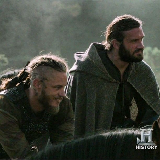 Ragnar (Travis Fimmel) & Rollo (Clive Standen) Lothbrok - Vikings