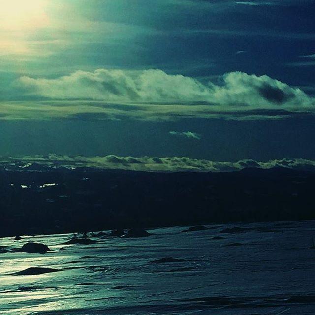 Nevelfjell fredag ettermiddag!  #heltvilt #norge #jakt  #natur #hunter #jegerliv #jaktbilder #jaktnorge #fiske #fluefiske #seatrout #hjortejakt #norway #nature #fishing #flyfishing #dryfly #wildlife #hunt #hunting #deerhunting #goodlife #visitnorway