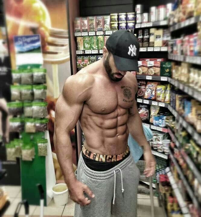 what to eat and how to train to get ripped