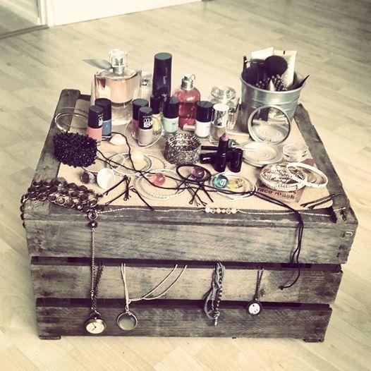 Holzkiste Weinkiste Obstkiste Schminktisch Beauty Make Up Verkauf von Kisten in Hamburg (Winterhude) Crate Wooden Apple Box in Facebook: Ganzanderekiste - Hamburg ©ganzanderekiste