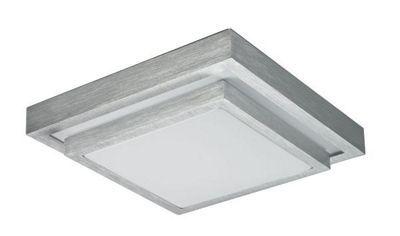Diese geschmackvolle Deckenleuchte von BOXXX zaubert eine moderne Note in Ihr Zuhause. Das <b>gebürstete Aluminium</b> harmoniert perfekt mit den weißen Elementen aus Acryl. Dabei fasziniert besonders die <b>quadratischeForm</b> der trendigen Lampe. Eingebaute LEDs sorgen für eine optimale Ausleuchtung des Raumes. Lassen Sie Ihre vier Wände mit dieser Deckenleuchte in neuem Glanz erstrahlen!