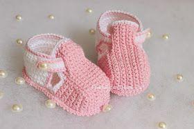 Olá pessoal!!!!!!     Olha que belezinha este sapatinho de crochê!!!!!             Sempre quis fazer este modelo, tinha até o gráfico, mas ...