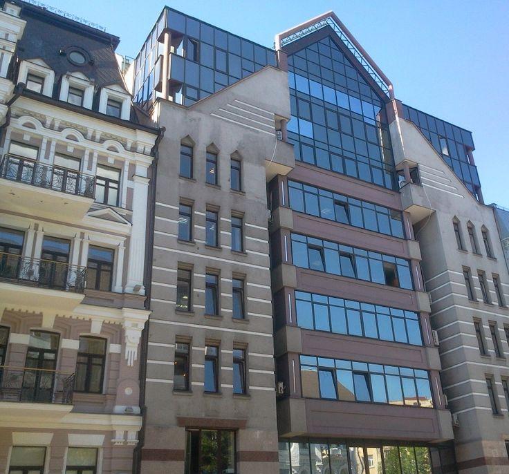 Izba przemysłowo-handlowa. Kijów, Ukraina. Szkło: SGG ANTELIO BRONZE. #glass #architecture #desing #public_space
