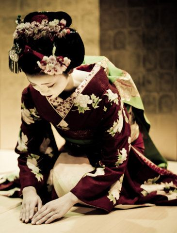 I think a Geisha is one of the most beautiful things in the world. I wish I could go to Japan for the cherry blossoms and Geisha....too bad I hate Japanese food. lol.