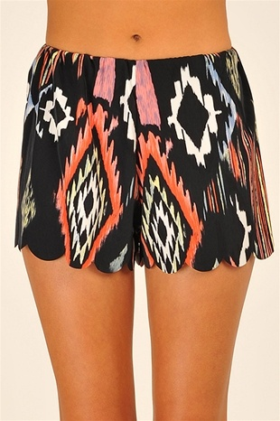 Tribal Scallop Shorts - Black