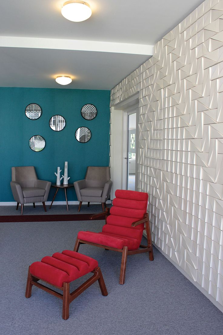 Tejo tiles at iSight offices | Theia creative tiles – www.theiatiles.com | 100% Portuguese handmade ceramic tiles for surfaces and interior decoration design projects | Matte white | Ceramics