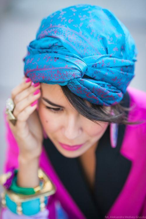 turban foulard sur la tete coiffure avec foulard foulard et coiffure. Black Bedroom Furniture Sets. Home Design Ideas