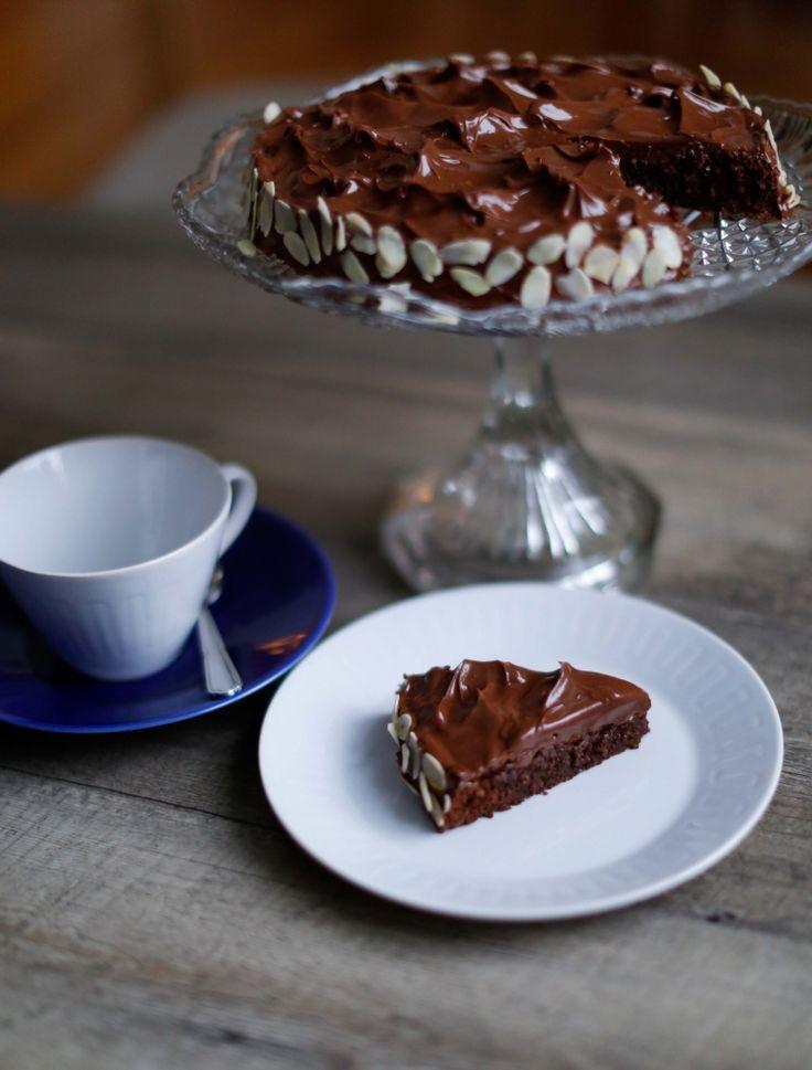 mandel- och chokladtårta