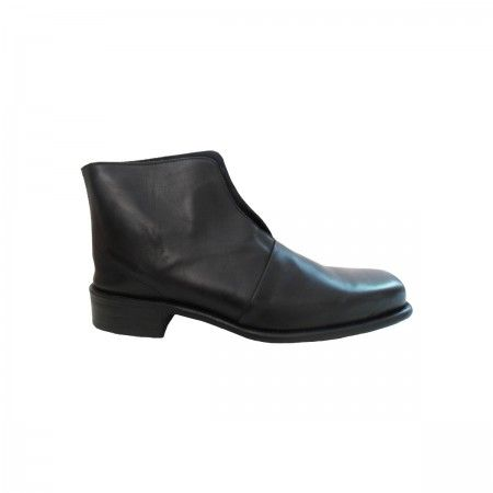 Lacrom - Maria Biandr - Paul Unisex ankle boot in calf.